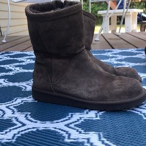 Brown UGG boots size 9